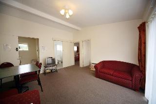 Willowbank Motel, 183 Beach Road,
