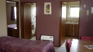Carisbrook Motel, 169 South Rd,