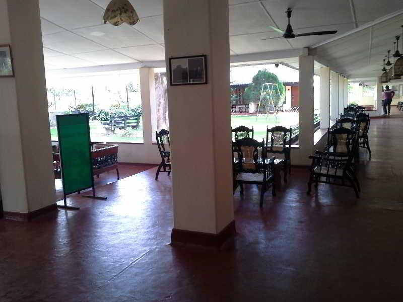Sigiriya Rest House - Diele