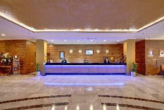 Cassells Al Barsha Hotel - Diele