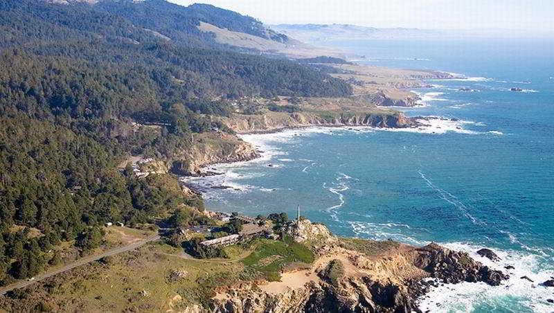 Timber Cove Inn, 21780 North Coast Hwy 1,