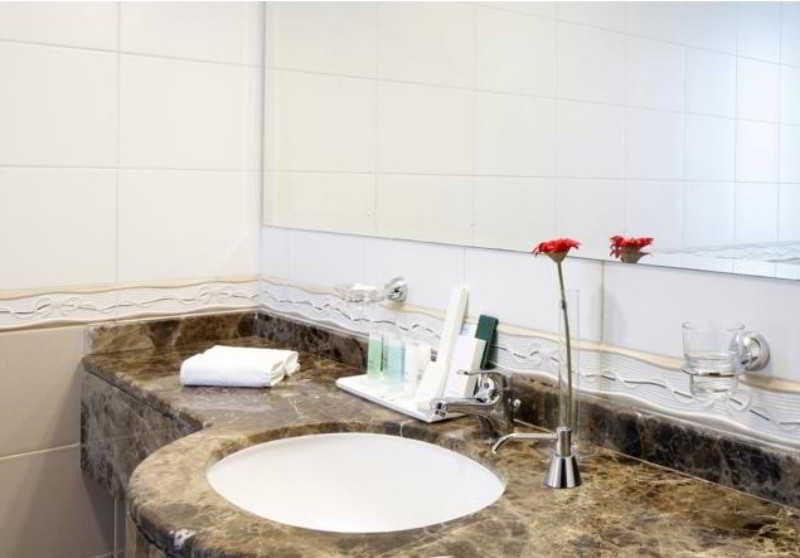 Book Avari Al-Barsha Hotel Apartments Dubai - image 2