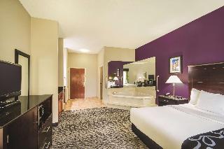 La Quinta Inn & Suites Louisville Expo East 6437