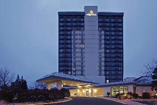 La Quinta Inn & Suites Bloomington West 2011