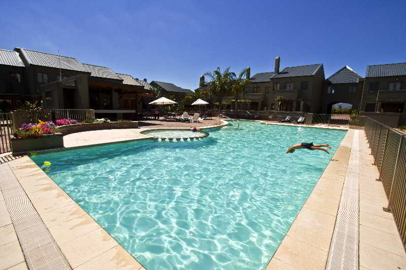 Devonvale Golf Estate Wine and Spa Lodge - Pool