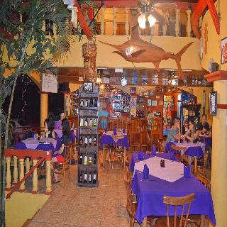 Las Tres Banderas - Restaurant