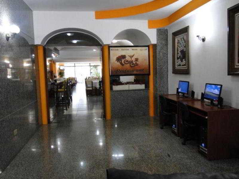 Panorama Inn, Av. Pampliega Y Domingo Robledo,