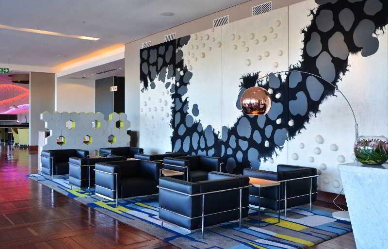 Radisson Blu Gautrain Hotel - Diele