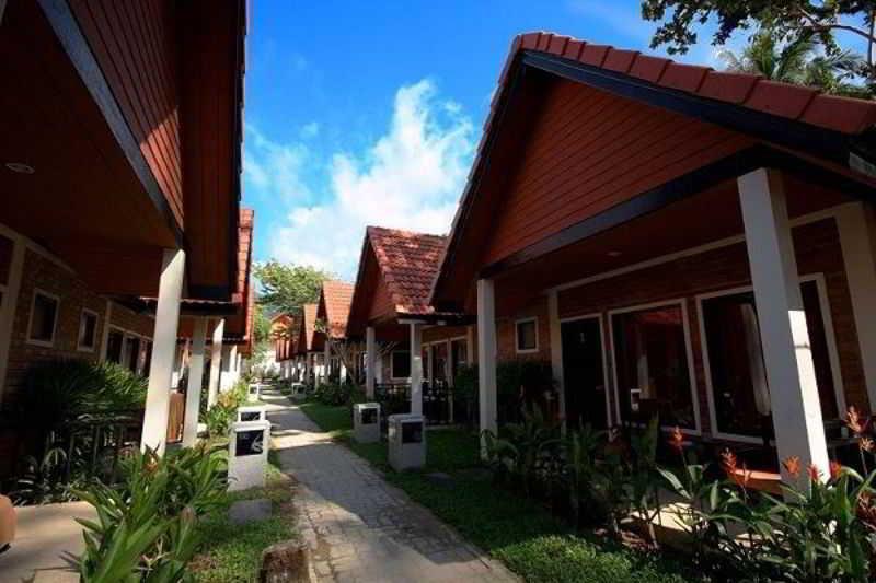 Ocean Breeze Resort…, Moo 7tambol Khukkakphang-nga,26/3
