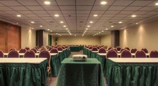 Diego De Almagro Aeropuerto - Konferenz