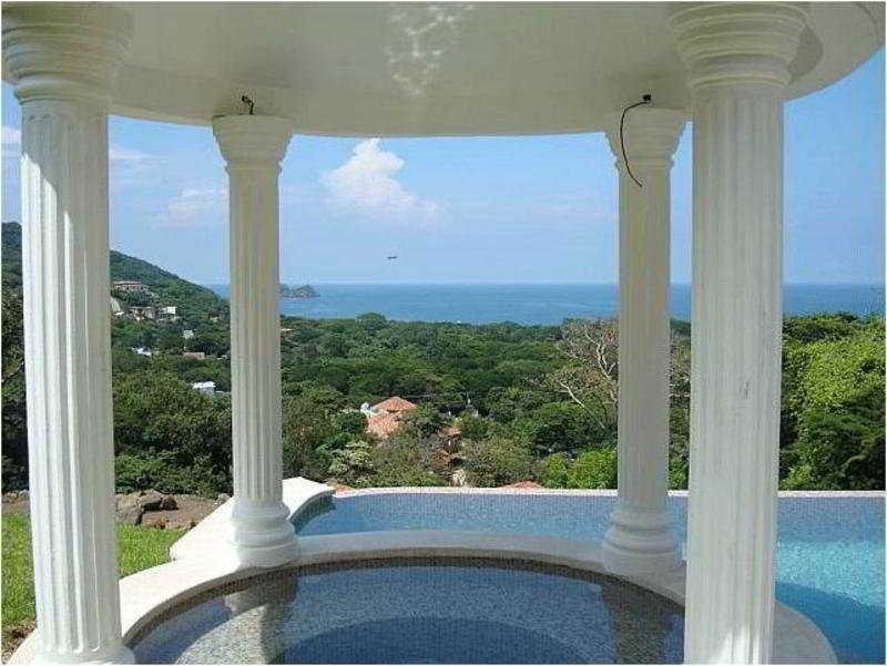 Villas Hermosa Heights - Pool