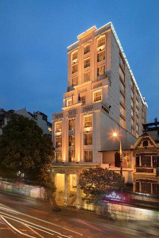 Silk Path Hotel, 195-197-199hang Bong Street,…
