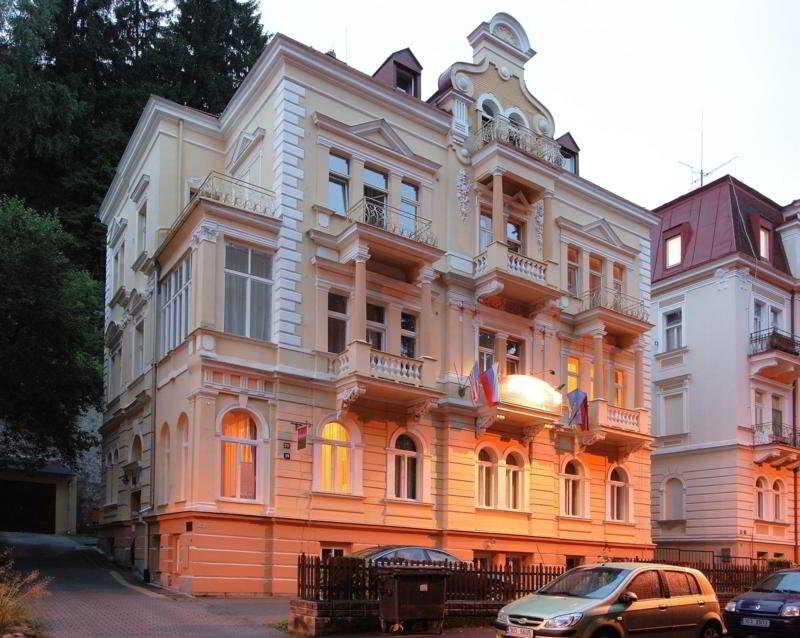 Villa Gloria, Trebizskeho,211