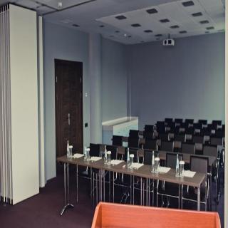 Chirag Plaza - Konferenz