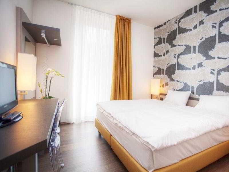 Hotel Internazionale Bellinzona - Zimmer