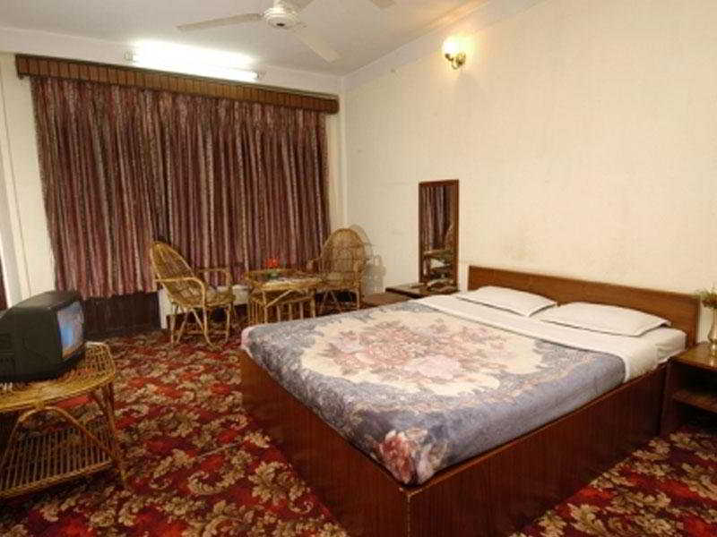 Acme Guest House - Zimmer