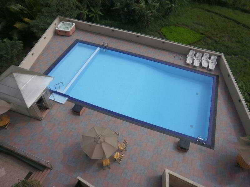 Devon - Pool