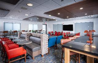 Holiday Inn Express Middletown - Newport