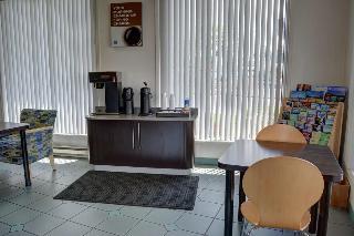 Motel 6 Bend, 201 Ne 3rd St,