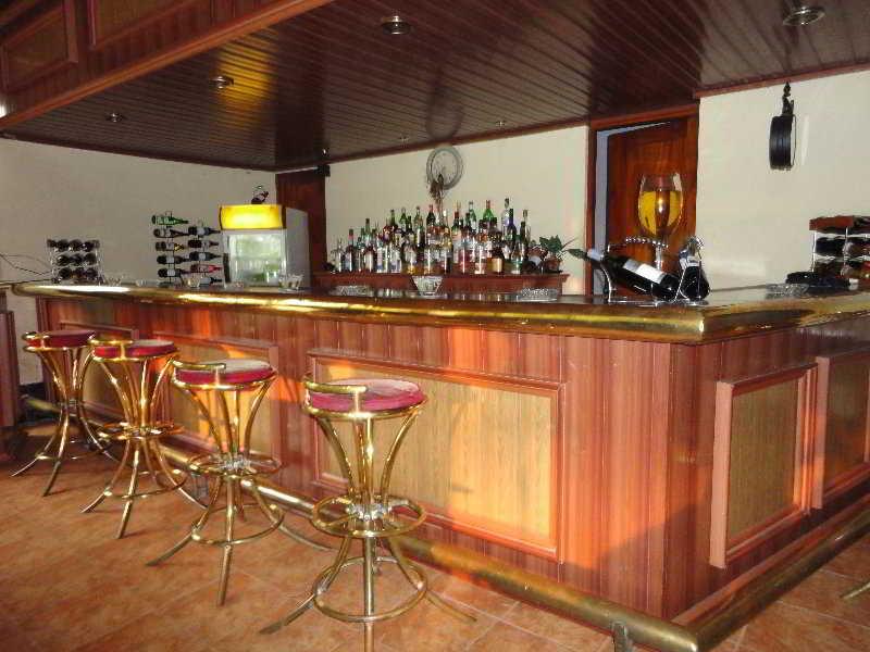 Ratnaloka - Bar