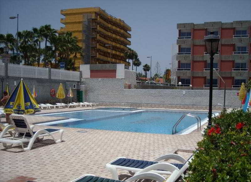 Fayna - Pool