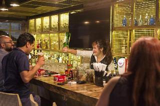 Al Qasr Metropole - Bar