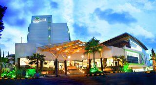 Banana Inn & Spa, Jl Setiabudhi 191 Bandung…
