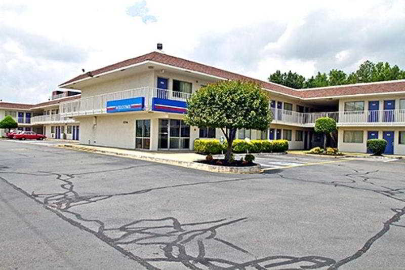 Motel 6 Richmond Airport, 5704 Williamsburg Road,