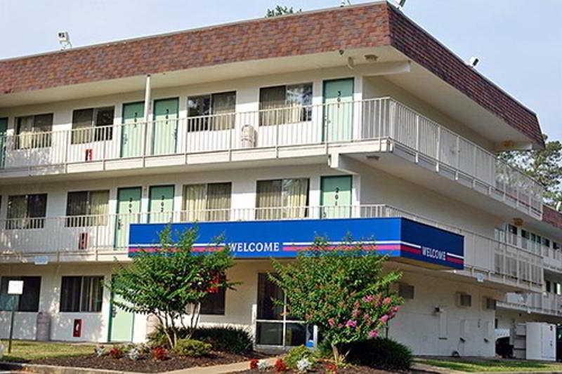 Motel 6 - El Paso Central