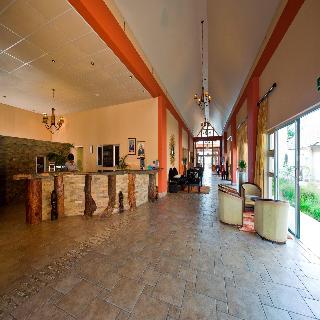 Protea Hotel Zambezi River Lodge - Diele