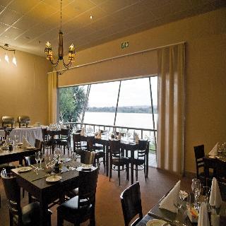 Protea Hotel Zambezi River Lodge - Restaurant