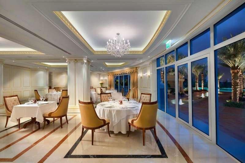 Kempinski Hotel & Residences Palm Jumeirah - Restaurant