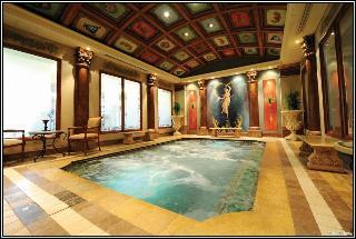 Peermont Metcourt Suites at Emperors Palace - Pool