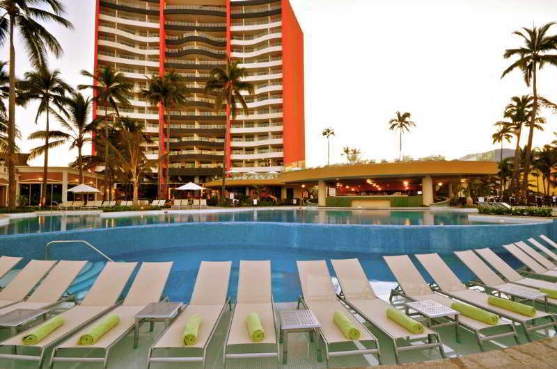 Sunset Plaza Beach Resort & Spa - Pool
