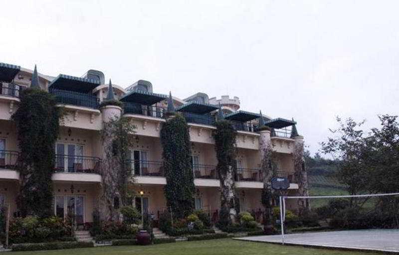 Club Bali Kota Bunga…, Kota Bunga Block Dd5-6 Puncak…