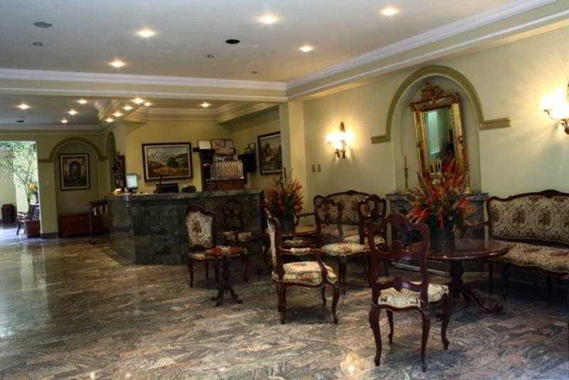Capital Plaza Hotel - Diele