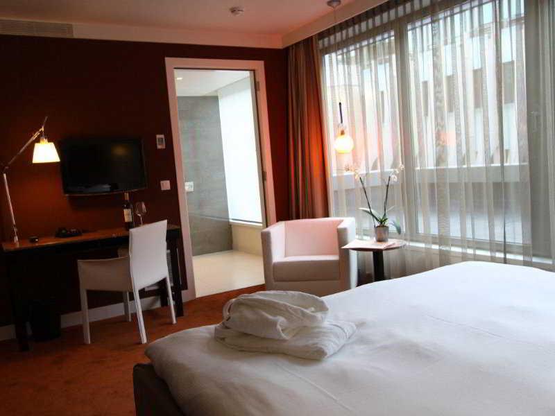 Sandton Hotel Brussel Centre - Zimmer