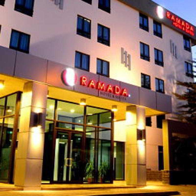 Ramada Hotel & Suites…, Abdallah Bin Omar St.,28