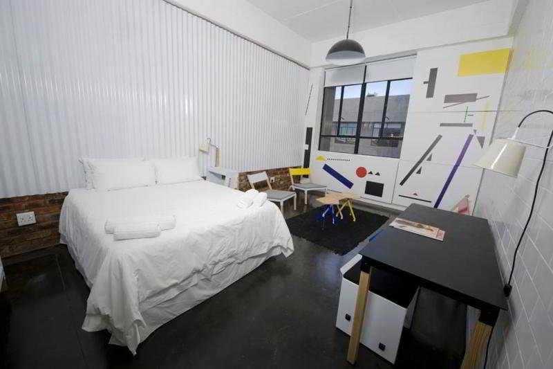 Urban Hip Hotels- 12 Decades Art Hotel - Zimmer