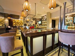 Premier Hotel OR Tambo - Bar
