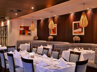 Premier Hotel OR Tambo - Restaurant