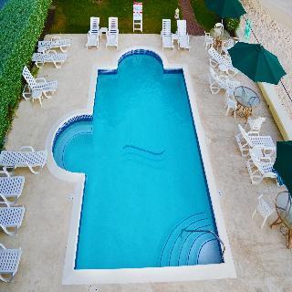 Coral Mist Beach Hotel - Pool