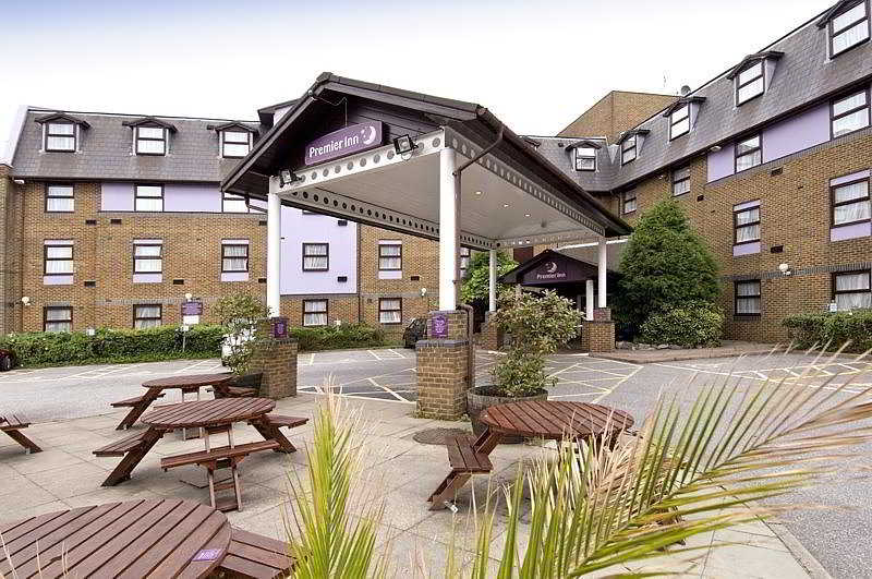 Premier Inn London Gatwick ( A23 Airport Way )