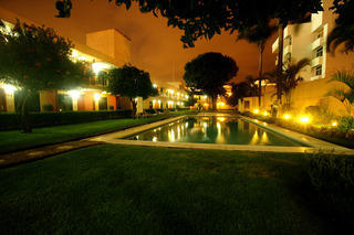 Puerta del Sol - Pool