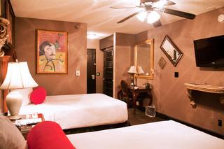 Artisan Hotel