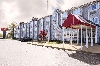 Econo Lodge Inn & Suites, 20 Interstate Court,