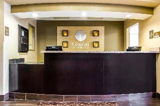 Comfort Inn & Suites, 819 Sanders St.,819