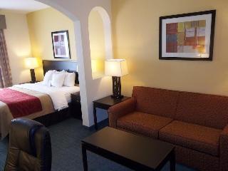 Comfort Inn & Suites, 875 - 94th Avenue, North,