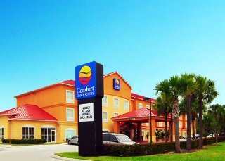 Fort Myers Hotels:Comfort Inn & Suites Airport