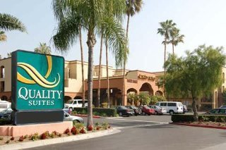 Country Inn & Suites John Wayne Airport